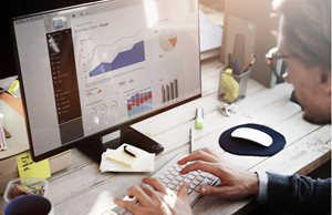 How Does Data Analytics Contribute to Business Growth?