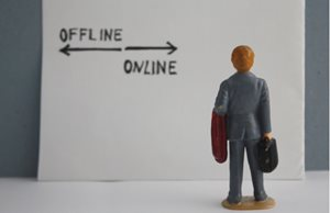 The Future of Retail: Online vs Offline