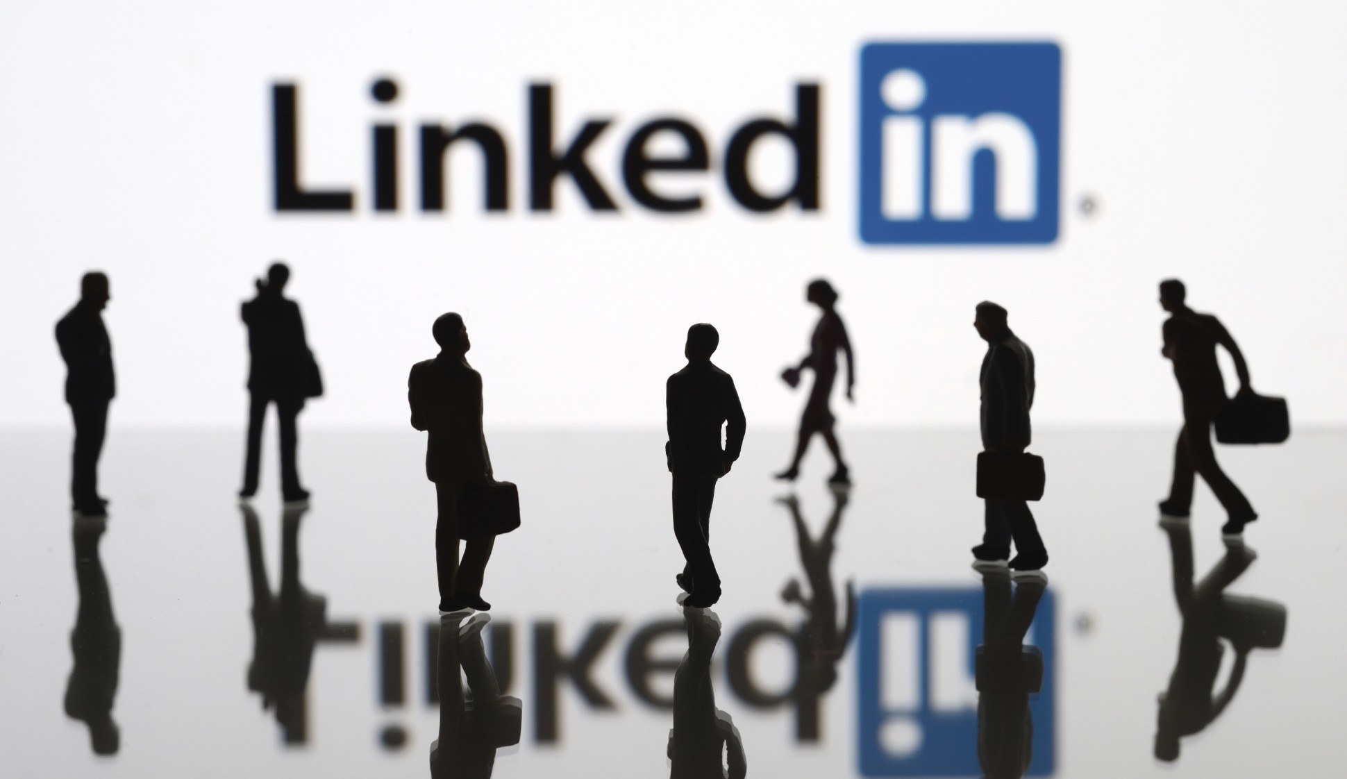 Top Ways to Market Yourself on LinkedIn