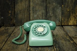 Why Marketing Managers Need to Pick up the Phone