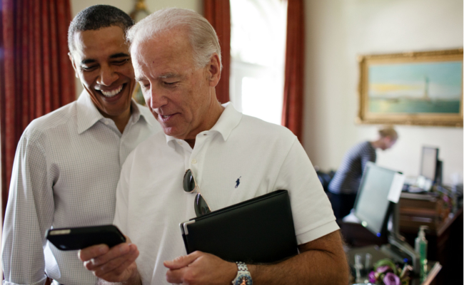 Mopinion-How-to-improve-mobile-experience-using-digital-feedback-Obama-and-Biden-on-mobile.jpeg